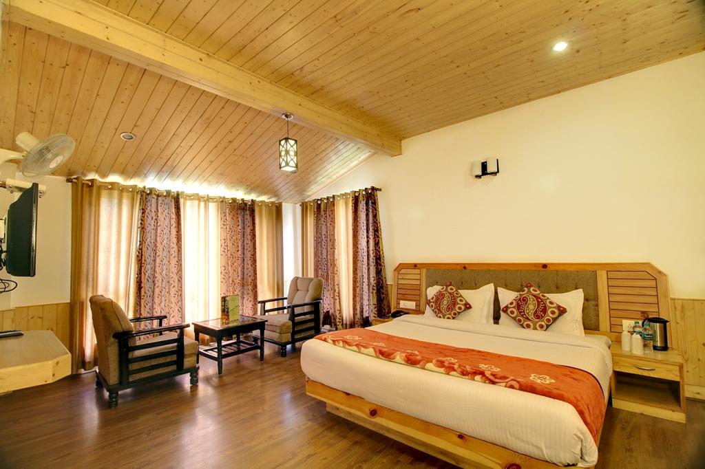Super Luxury Room With Balcony